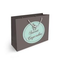 sac papier personnalisé quadrichromie Format horizontal Dimensions : 24,8 x 19,8 x 8,8 cm